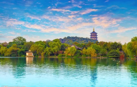 Image of Hangzhou one day tour : West Lake, Leifeng Pagoda, Peak Flown from Afar, Lingying Temple.